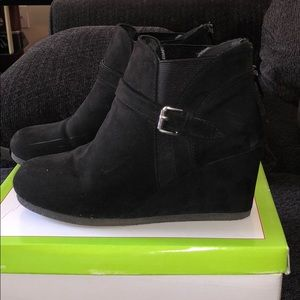 Other - Black suede wedge in great condition size 5